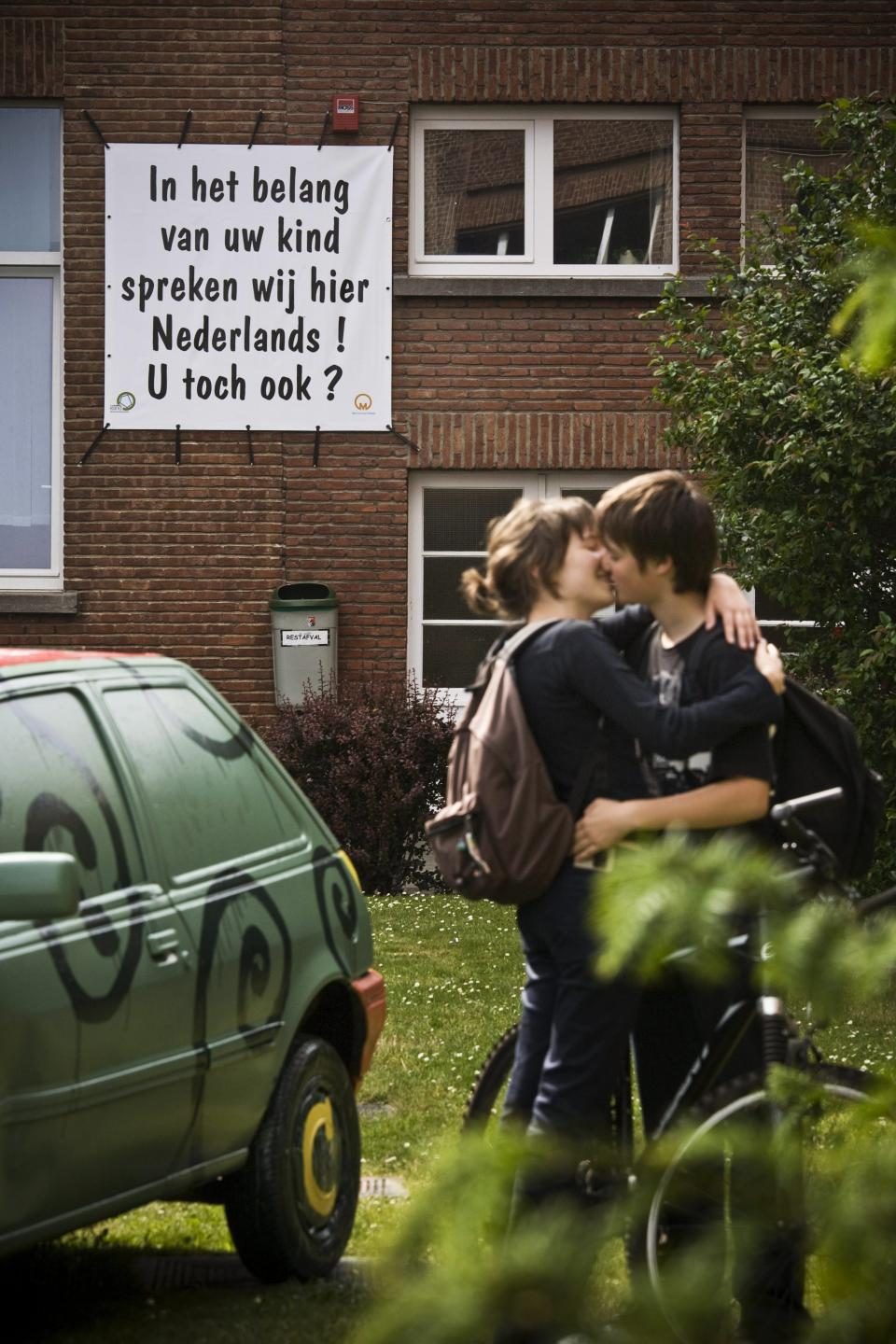 Speaking Dutch  – © Bob Van Mol