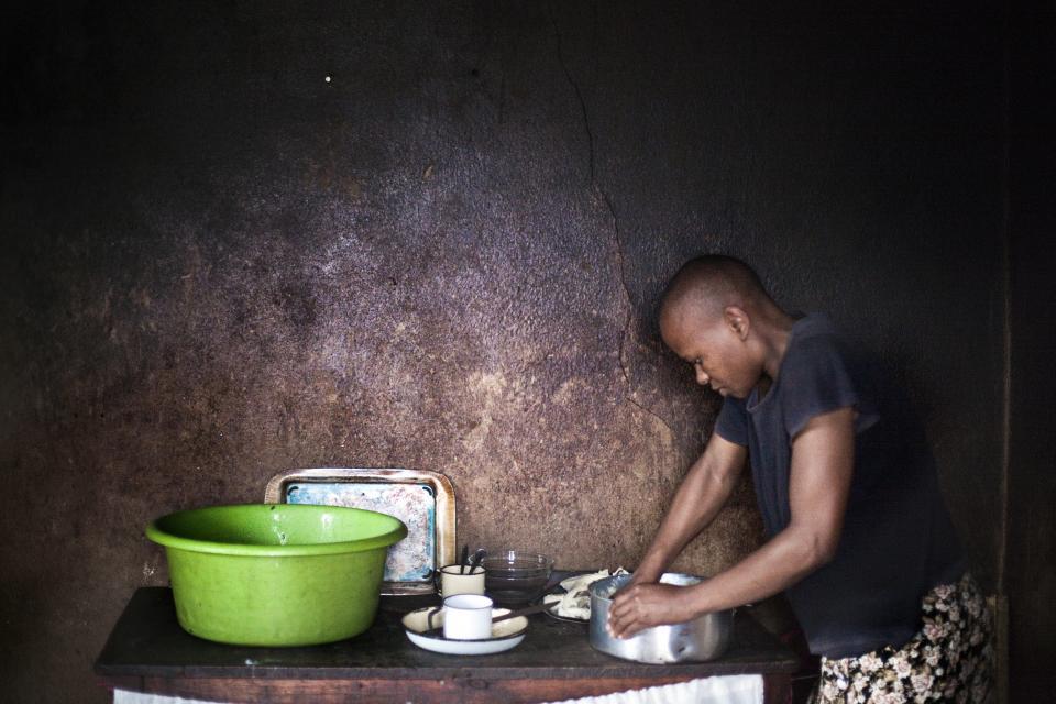 Africa 2 –© Bob Van Mol