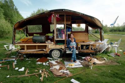 Caravan dwellers –© Bob Van Mol